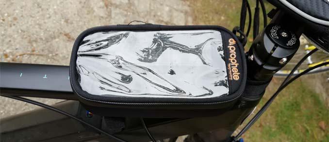 Prophete Smartphonetasche spiegelt stark